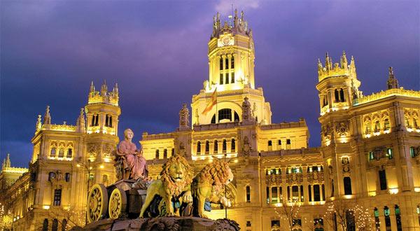 Alquiler de Furgonetas Baratas en Madrid - Fuente de Cibeles