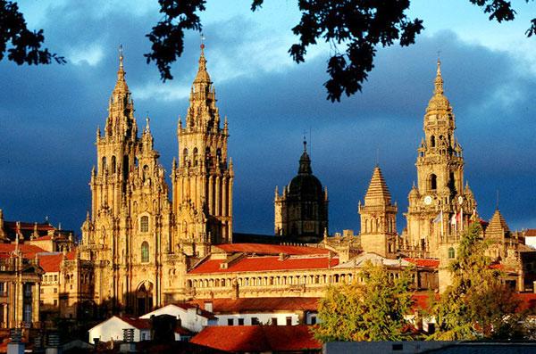 Alquiler de Furgonetas en Salamanca - Imagen de la catedral de Salamanca